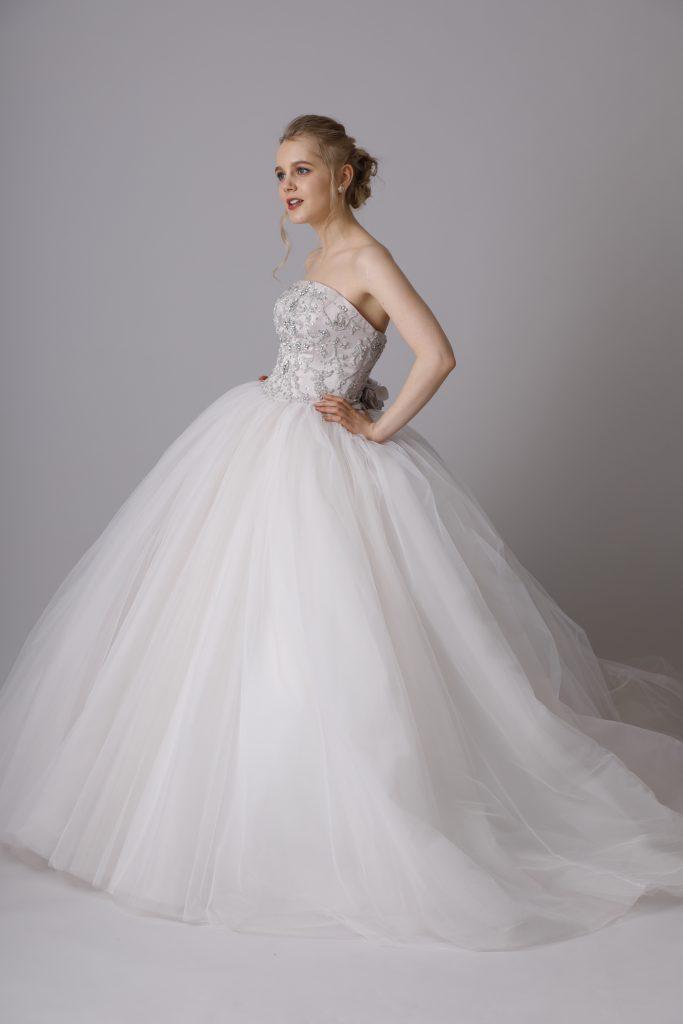 9002c0457b346 ゼクシィフェスタでソフィアのドレスご覧いただけます❤   ウェディング ...